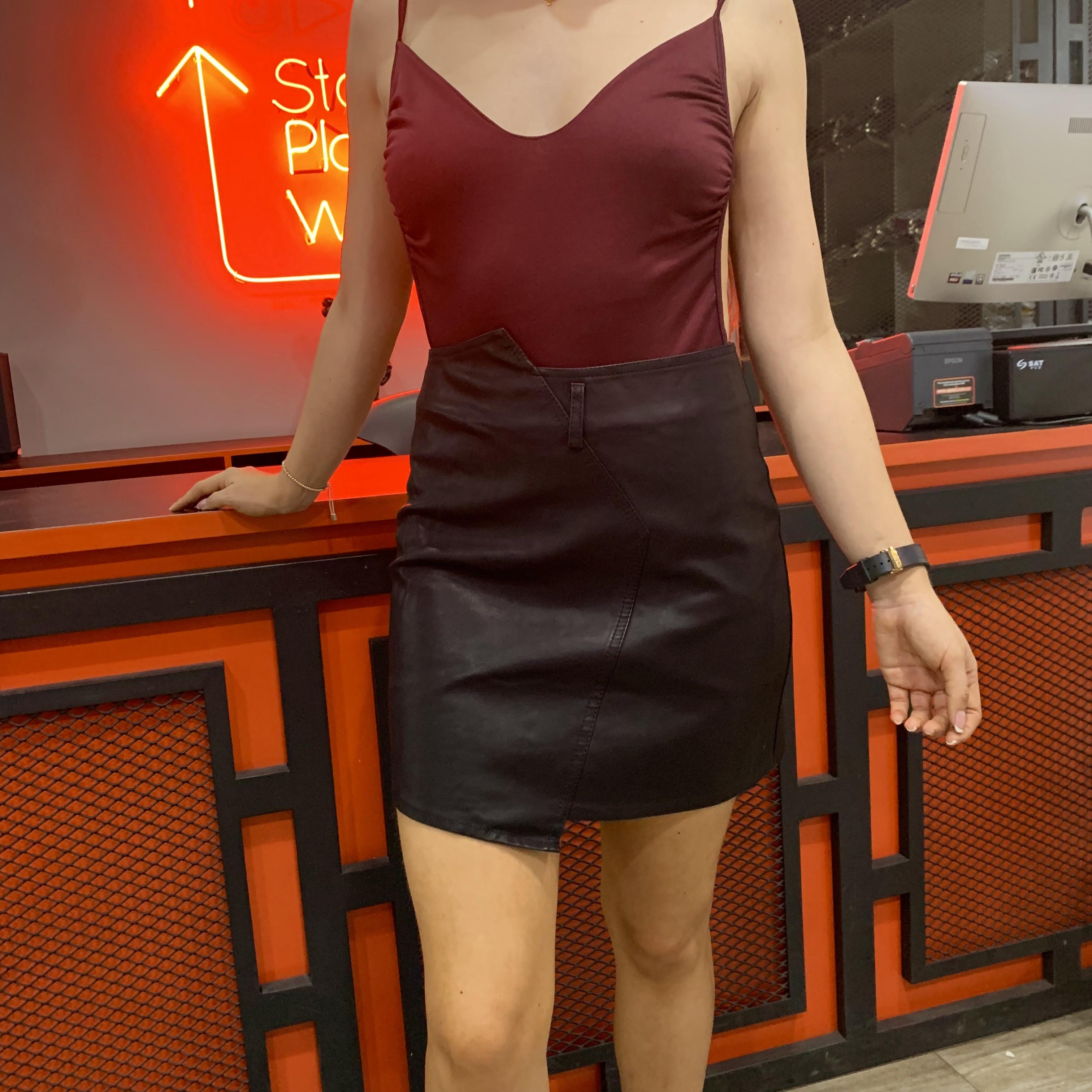 51c21cdc6 Faldas Cortas En Cuerina | Wig Elegance